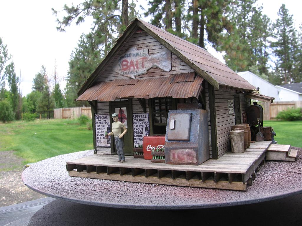 BTS Dill's Market, Modeled after a Display seen at Caboose Hobbies
